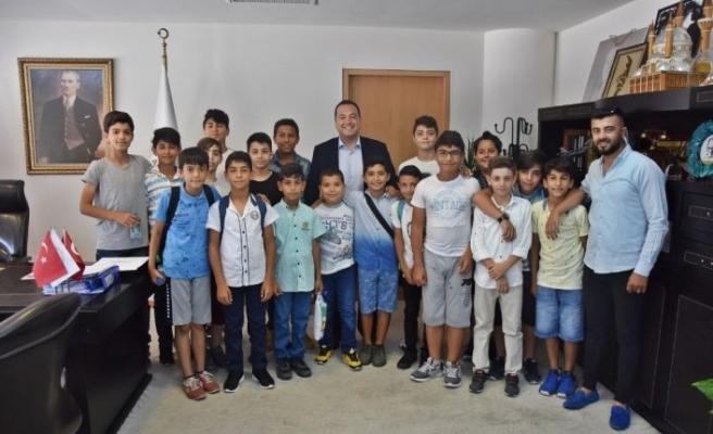 Başkan Dutlulu'dan gençlerin projesine tam destek