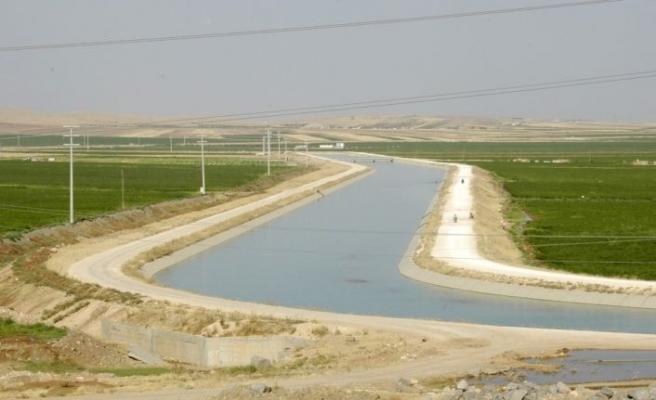 Sulama tesislerinde yağmurlama ve damlama sistemleri tercih ediliyor