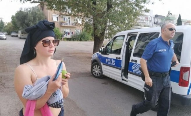 Manavgat'ın İsveçli özgür kızı polisi çileden çıkardı