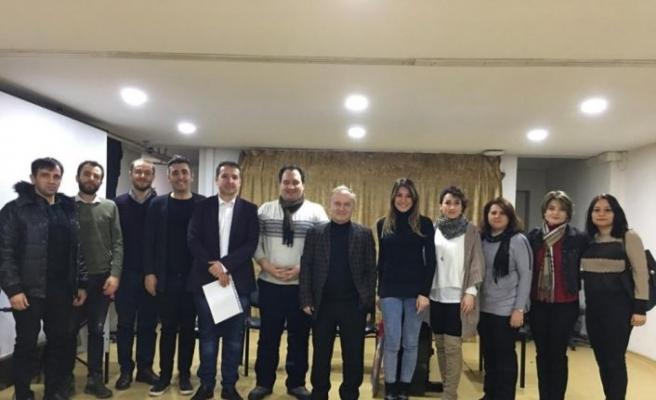 Öğretim üyeleri lise öğrencileri ile buluştu
