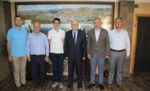 Başkan Pekmezci Türkiye birincisini ödüllendirildi