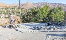 Bitlis Belediyesinin parke çalışmaları devam ediyor