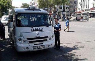 Zabıta şehir içi minibüsleri denetledi