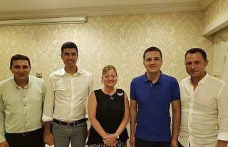 Mersin'de belediye özel kalem müdürlerinden güç...