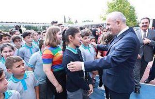 Başkan Büyükgöz, öğrencilerin heyecanlarına...