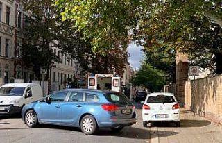 Almanya'da sinagog yakınında silahlı saldırı:...