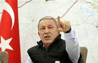 Bakan Akar ve komutanlar Barış Pınarı Harekatı'nı...