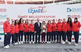 İzmit Belediyespor Kadın Basketbol Takımı yeni...