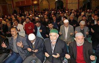 Yozgat'ta camilerde Mehmetçik için Fetih Suresi...