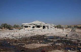 Rus uçaklarından Halep'e saldırı: 6 ölü, 20...