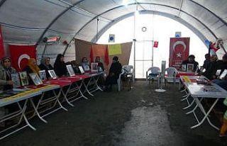 HDP önündeki ailelerin evlat nöbeti 103'üncü...