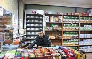 Siirt'te hırsızların marketten sigara çaldığı...