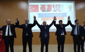 İki belediye başkanı AK Parti'ye geçti
