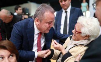 CHP, 11 Büyükşehirde yaptırdığı anket sonuçlarını açıkladı