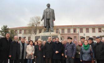 CHP İsmet İnönü'yü ölüm yıl dönümünde andı