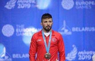 Olimpiyat kotası alan milli güreşçi Süleyman Atlı yarı finalde