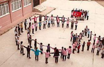 Beylikovalı miniklerden Mehmetçik'e destek