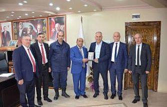 Dernek Başkanı Özmeşe, Başkan Yaman ile bir araya geldi