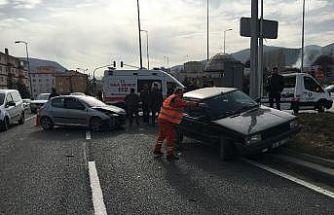 Kızılcahamam ilçesi hastane kavşağında trafik kazası meydana geldi