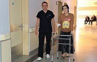 Vanlı genç kızın bacağı 7 santimetre uzatıldı