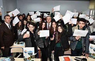 Mersin'de 400 bin 767 öğrenci karne heyecanı yaşadı