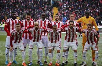Sivasspor'da 4 futbolcu kart sınırında!