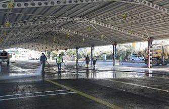 Erdemli'de pazar yerleri dezenfekte edildi