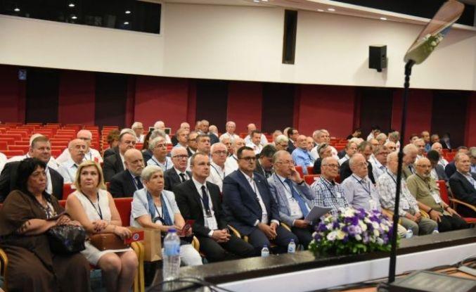 """Özgener: """"İzmir Ekonomi Üniversitesi bizim göz bebeğimiz"""""""