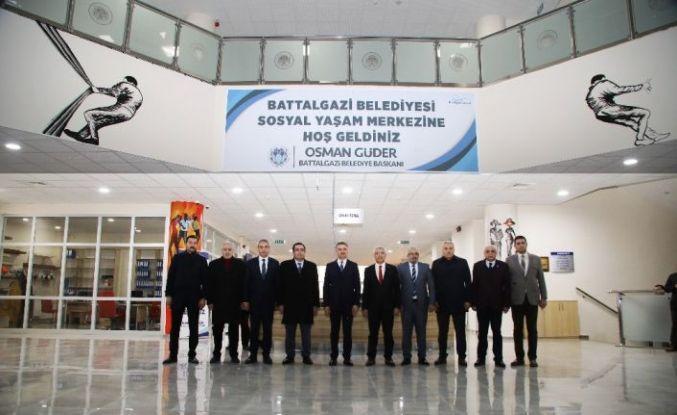 Battalgazi Belediyesi Sosyal Yaşam Merkezi'ne övgü